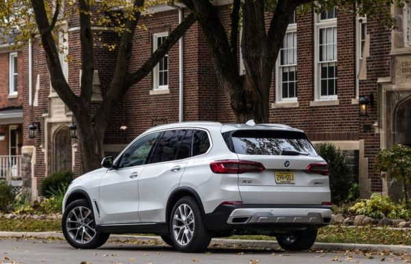 BMW X5 2019 rear review