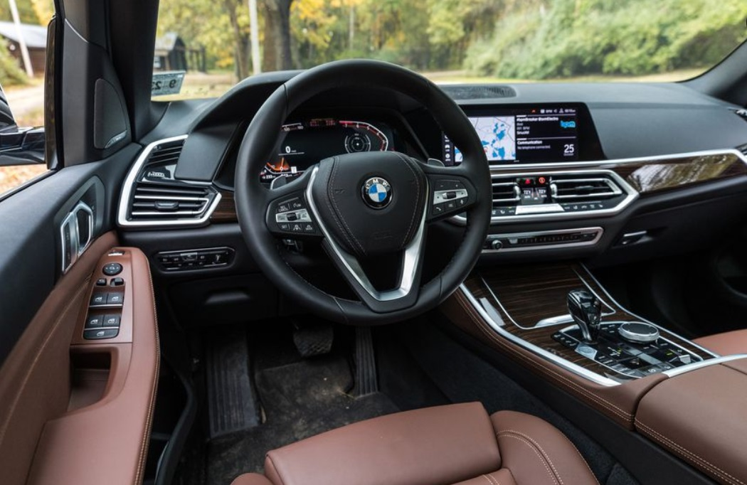 2019 BMW X5 Steering Wheel View