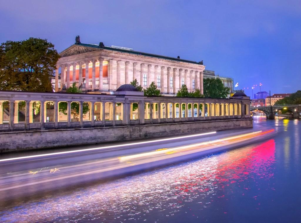 Alte-Nationalgalerie-berlin-nuit