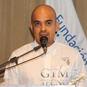 Manuel Sisniega, Asuntos Corporativos de Tigo.