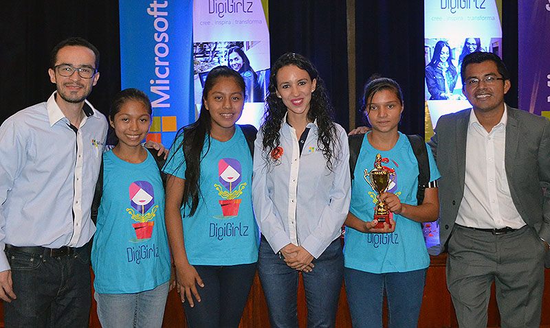 Microsoft promueve la semana de la Juventud+TECH