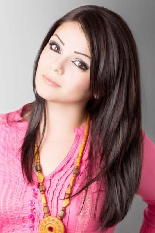 Cute Long Straight Hairstyles For Round Faces Latest