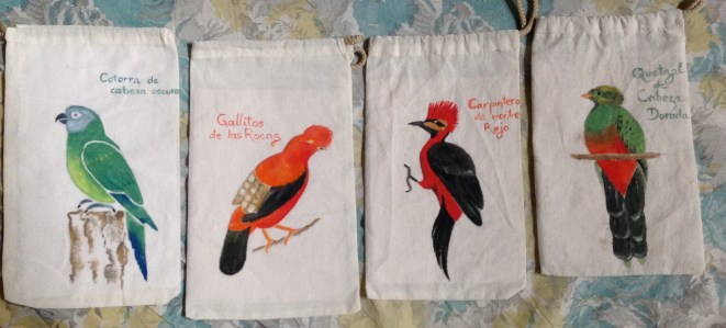 My work at Bosque Berlin: paintings birds and monkeys from the area on small bags