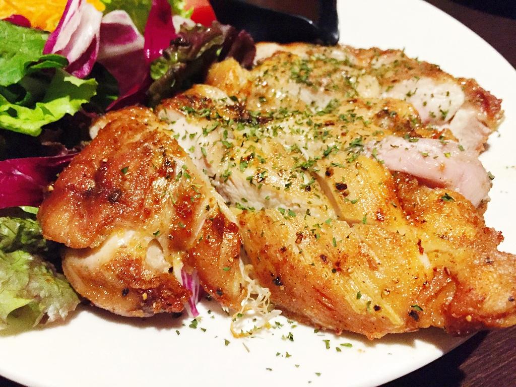 酒と和みと肉と野菜 鶏の豪快一枚焼き