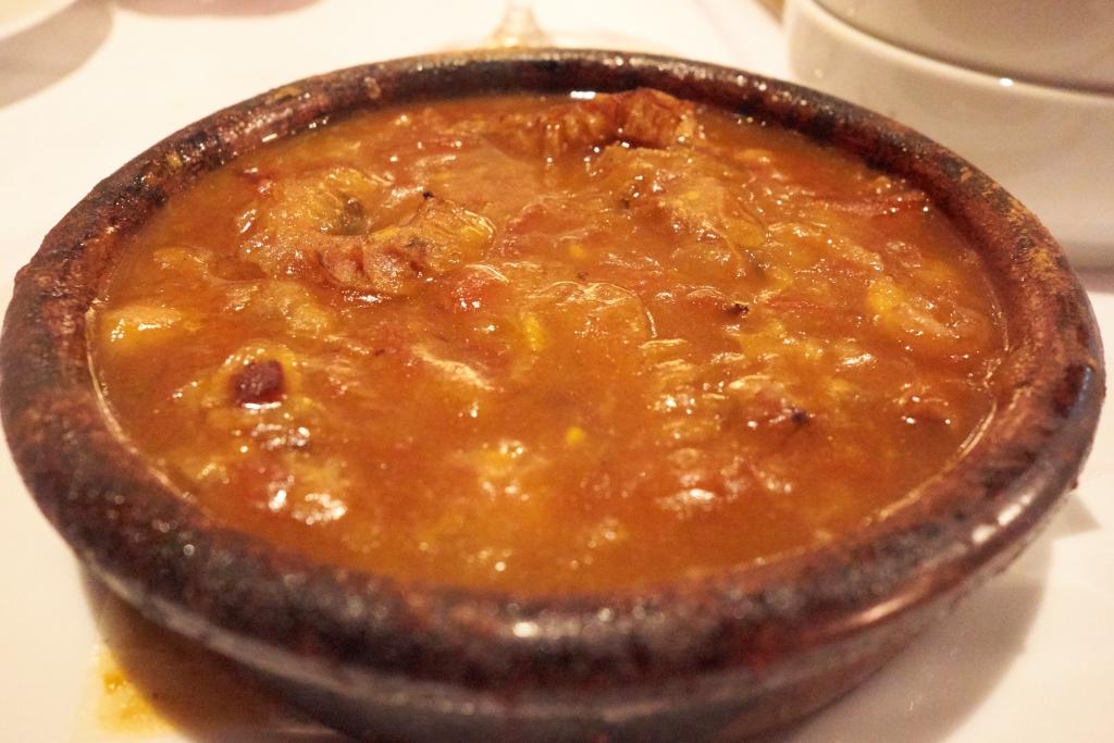 スペイン料理トレス カジョス