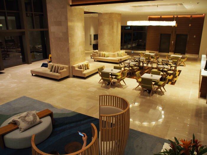 デュシタニグアムリゾートのロビー階の下