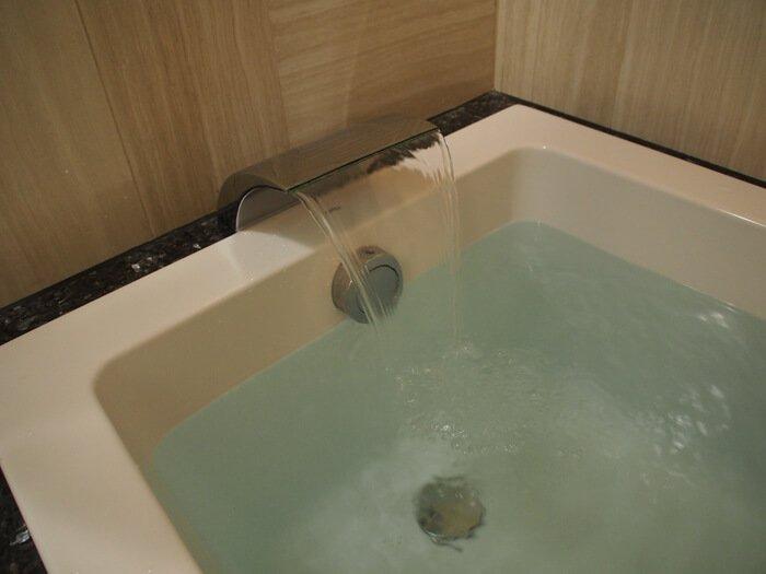 お風呂の蛇口