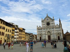 7. A 15- to 20-minute stroll away is the Basilica di Santa Croce (Basilica of the Holy Cross), the principal Franciscan church in the city. As most visitors should already be accustomed to, the church is located at the Piazza di Santa Croce, and because it is the burial location of many illustrious Italians - such as Renaissance sculptor Michelangelo - it is also known as the Tempio dell'Itale Glorie (Temple of the Italian Glories).