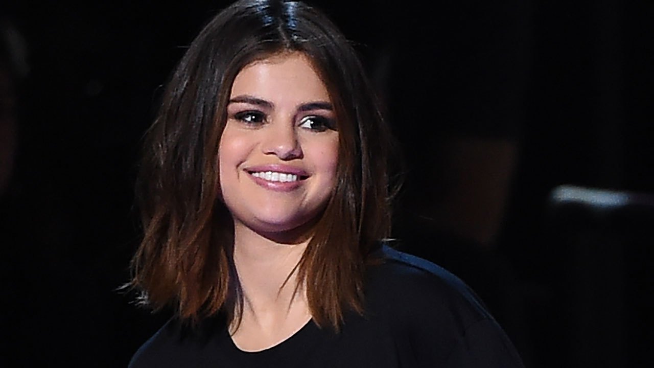 Selena Gomez Ready To Make A 2019 Comeback The Guardian