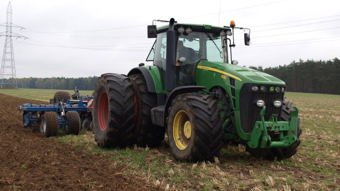 FG to buy more tractors 1