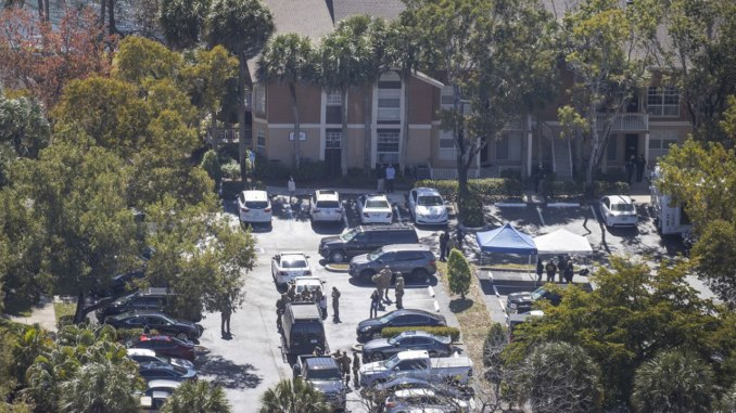 Two FBI agents dead, three wounded in Florida shooting