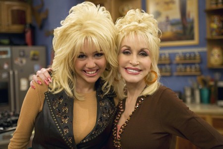 Miley Cyrus Spreading Her Wings Says Dolly Parton