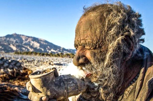 Iranian Man Goes Without a Bath for 60 Years - See the Results