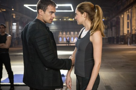 Divergent: Being Different Can be Murder (Review)