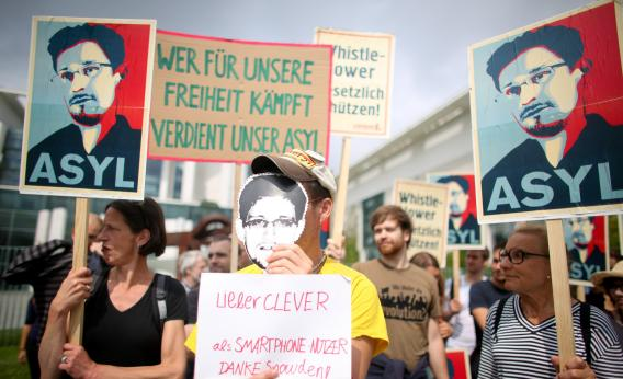 Edward Snowden May Be Questioned in Germany