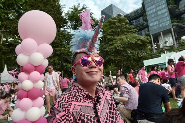 Singapore Gays Rally Amidst Anti-Gay Laws