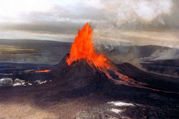 Earthquakes Near Hawaii Volcanoes No Cause for Concern?