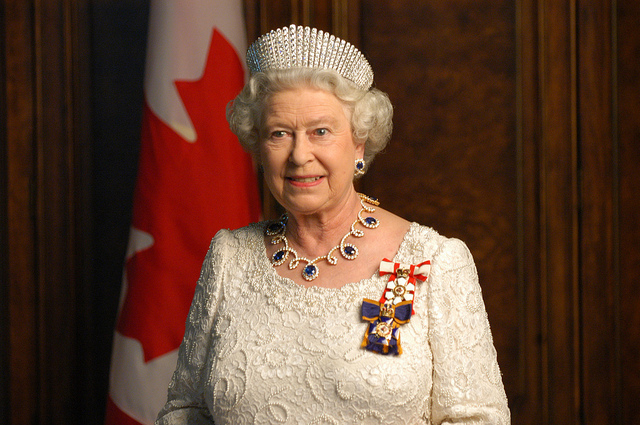Elizabeth II Saved From Terrorist Attack Now Cameron Is Under Scrutiny