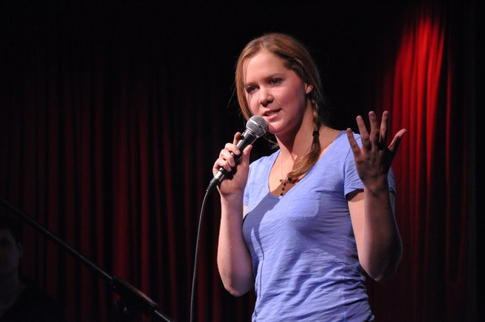 Amy Schumer Accused of Stealing Sex Jokes From Late Comedian