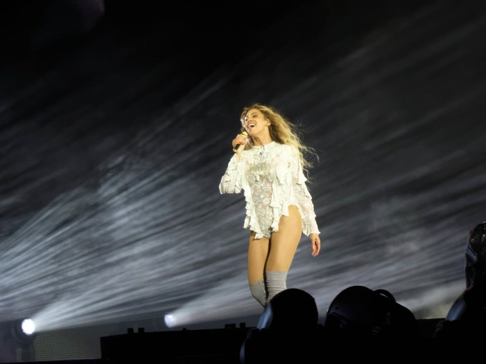 "Beyonce Does a Cover of Frankie Beverly & Maze's ""Before I Let Go"""