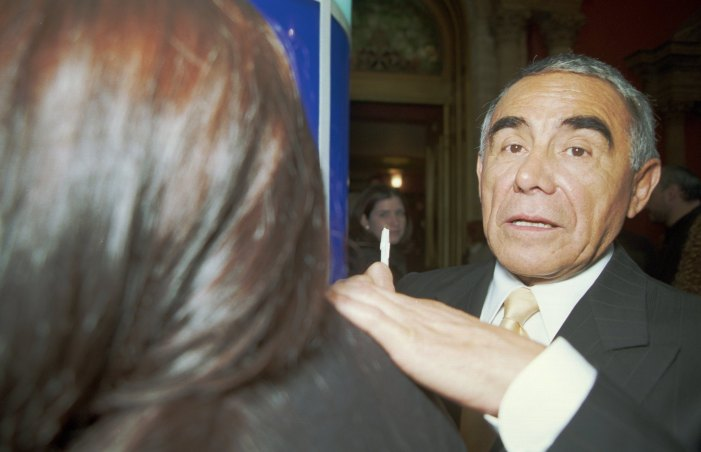 Héctor Suárez, Mexican Actor and Comedian, Dies at Age 81