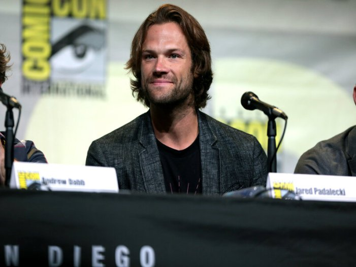 Jared Padalecki Stars in CW's New TV Series 'Walker' [Video]