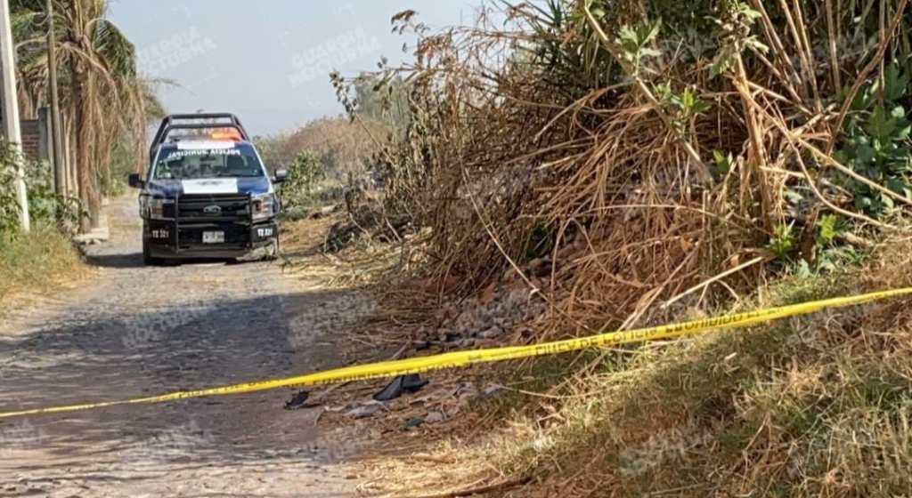 El cuerpo de un hombre fue localizado en canal de aguas negras en Tlaquepaque