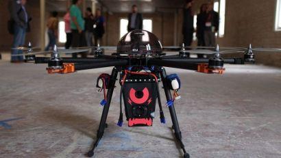 dron-s-eletroshokerom