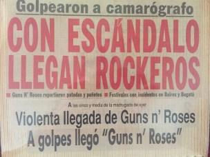 Tiitulares de los diarios a la llegada de Guns a Chile. La pura cagada. Y sí, tengo los recortes guardados...