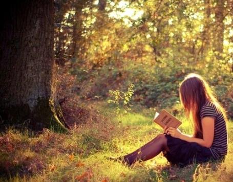 muchacha leyendo 4