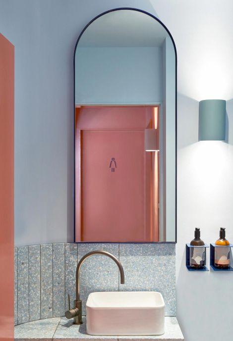 ванная, зеркало, розовый, арки, интерьер, тренды, 2020, ремонт, дизайн, мода, 10 трендов
