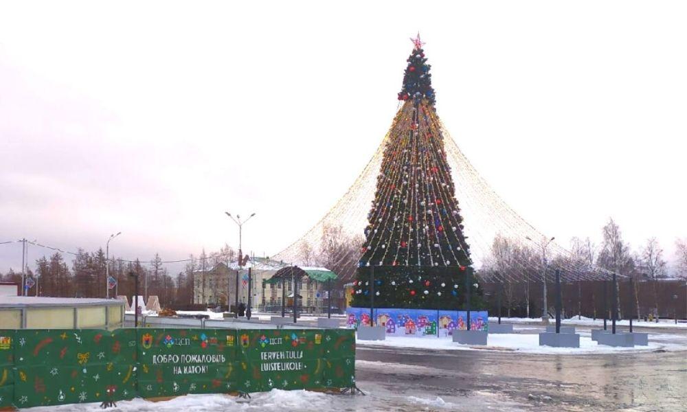 елка на Кирова