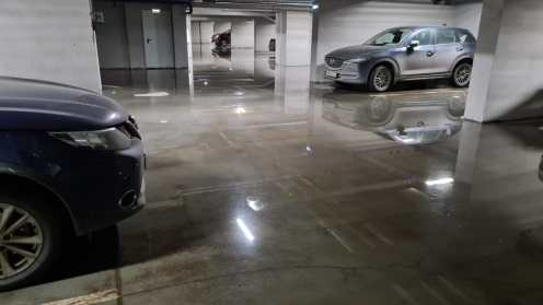 Затопление парковки на Федосовой