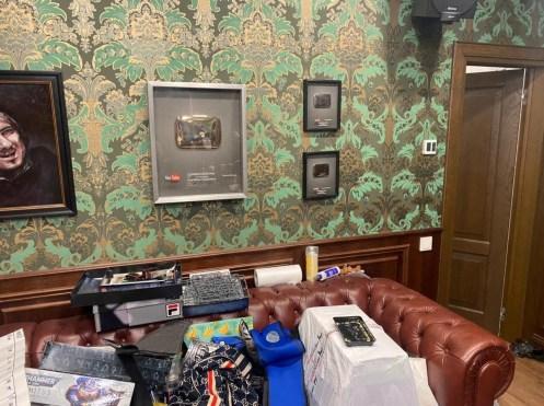 грязная комната Хованского