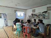 Albert, saat menjabarkan materi: Pelestarian Kesenian Tradisi Melalui Platform Multimedia, di Kantor Komunitas Gubuak Kopi. (foto: Arsip Gubuak Kopi, 2017)