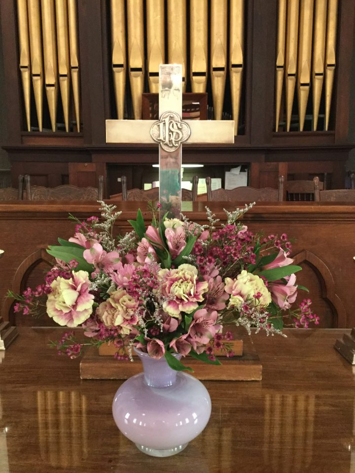 2018 – Altar Flowers – April 15