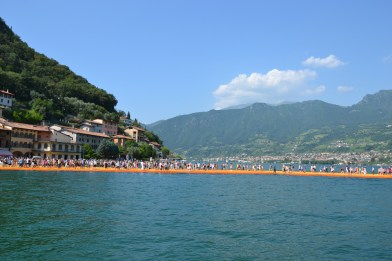 the-floating-piers-christo-12