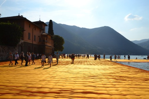 the-floating-piers-christo-16