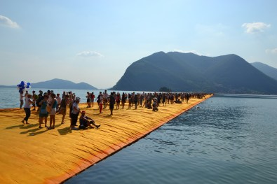 the-floating-piers-christo-24