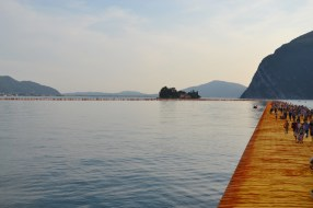 the-floating-piers-christo-28