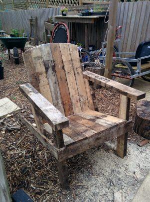 Adirondack pallet chair
