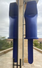 Sculpture Capuchon Bic mordu