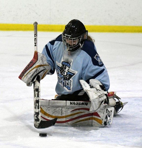 Photos: Ross-Bishop Macdonell girls' hockey