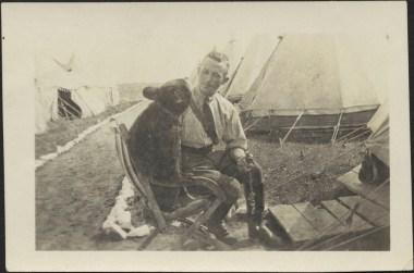 Harry Colebourn with Winnie the bear - Salisbury Plain