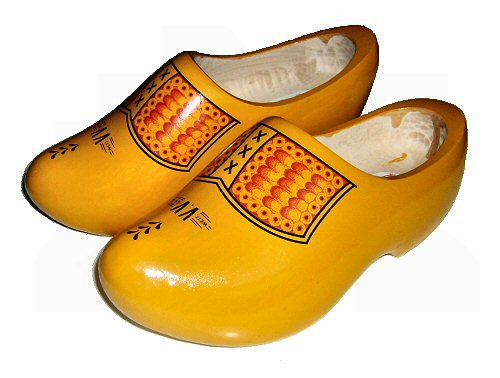 Klompen - The red painting on top makes the clogs look like leather shoes. It is a traditional motif on painted clogs.