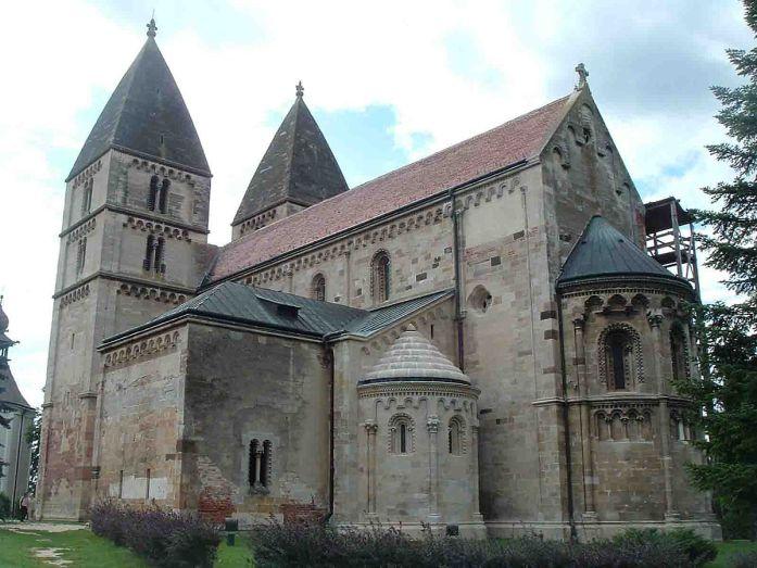 Iglesia de Jak