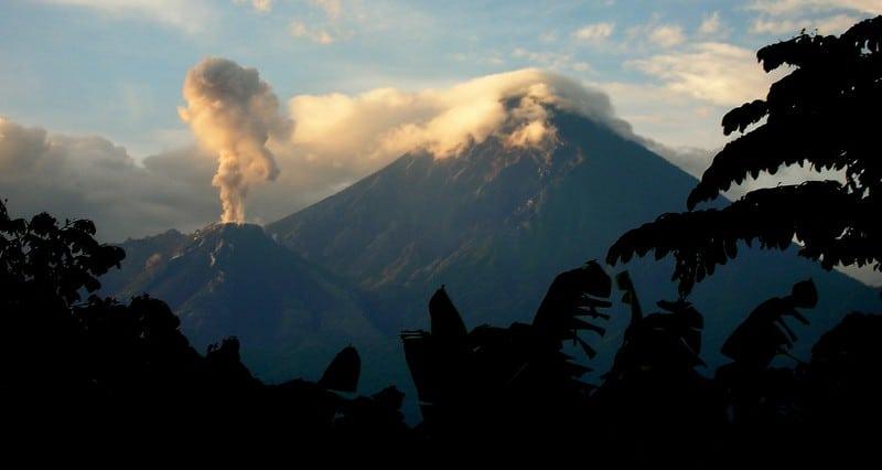 Vulcão Santa Maria em Erupção porDave Wilson