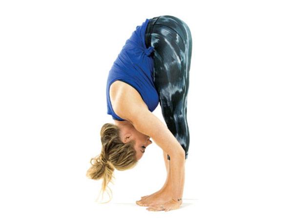 guia-da-alma-chacra-base-Muladhara-yoga-Uttanasana