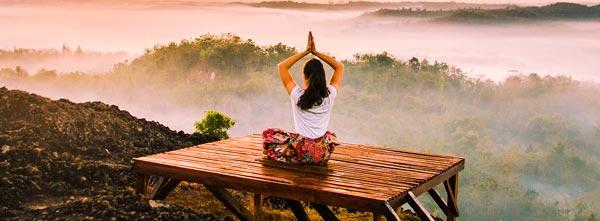 guia-da-alma-yoga-asanas-valores-salto-quantico-Yamas-Niyamas-meditacao