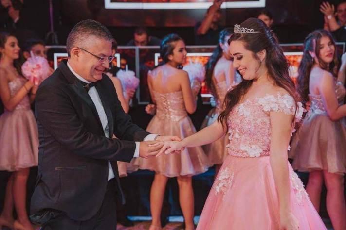 festa-de-15-anos-ana-beatriz-rosa-dourado-realeza-cerimonial-15-anos-ritos-de-passagem-entrega-do-anel